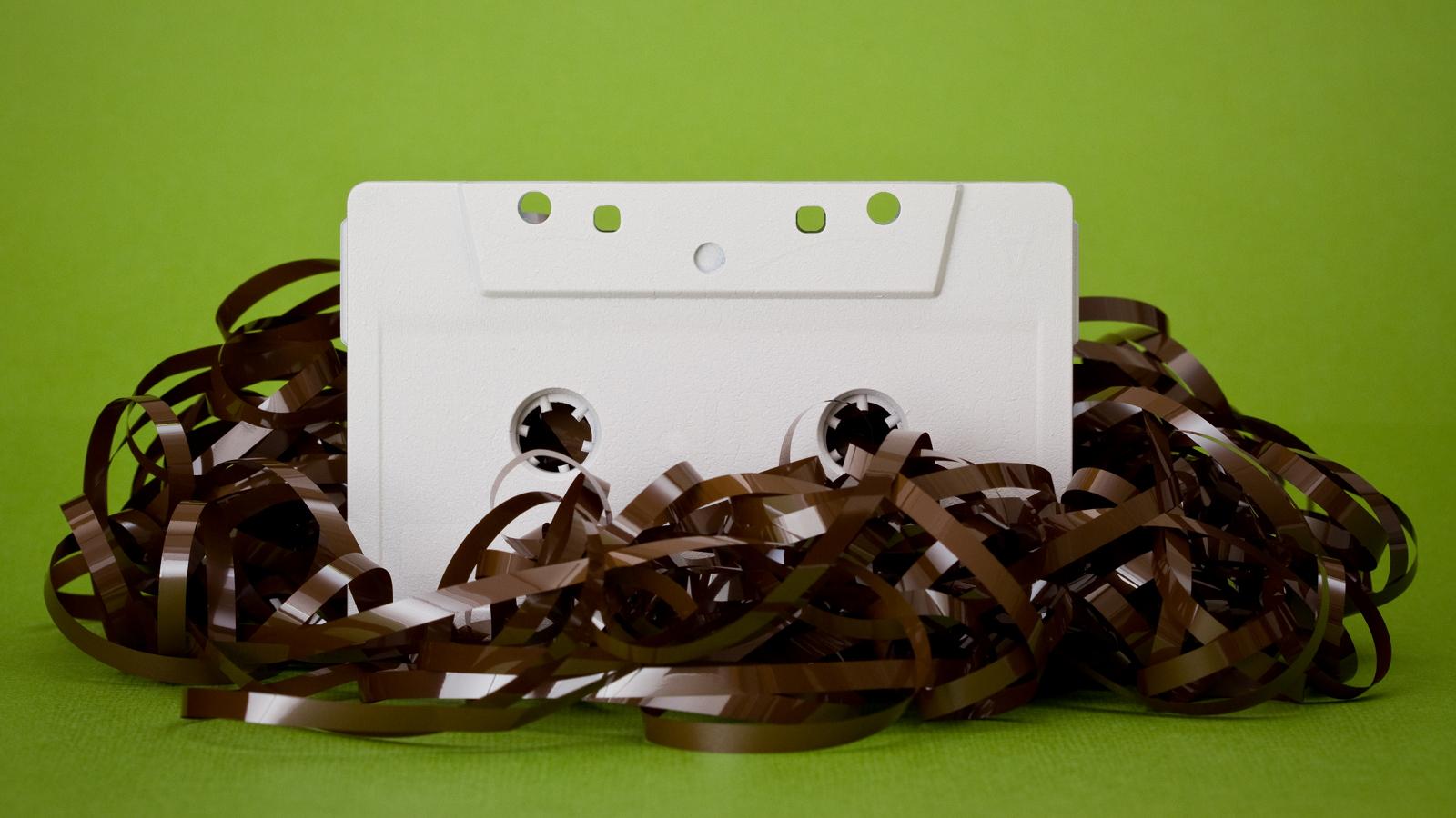 Пленка от видеокассеты поделки из нее 90
